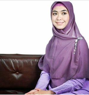 Jilbab Syar'i Anggun Ala Oki Setiana Dewi