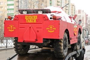 kendaraan lapis baja dipakai jadi taksi2