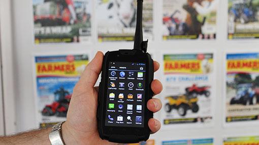 Smartphone terkuat dan tertangguh di dunia14