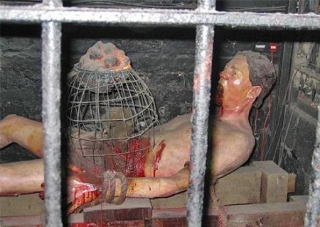 1278442116_09-rat-torture2
